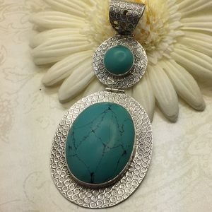 Jewelry - Larger 925 pendant with blue stones